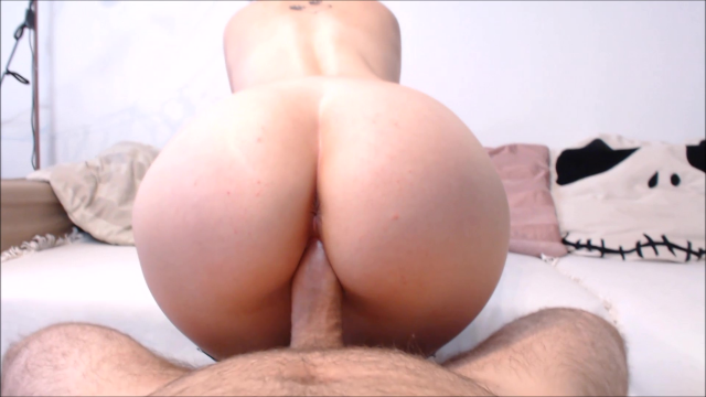 cum on facesitter's panties video from Apixie