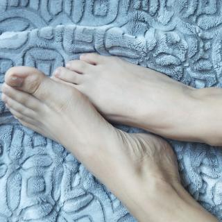 My Big Feet photo gallery by Beatrice Wolfe