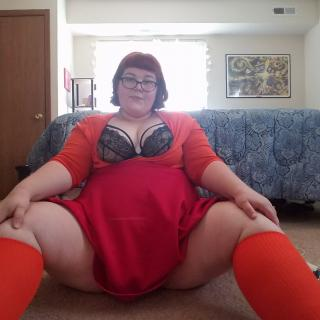 Chubby Velma photo gallery by BelleBaby