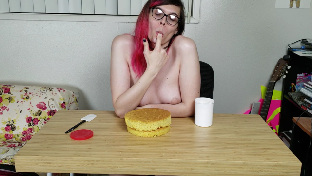 Girlfriend Cake sit video by Blair Glass