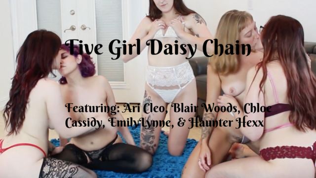 5 Girl Daisy Chain video by Blairwoods