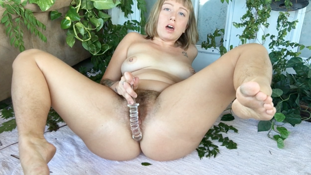 Sensual Glass Toy Fuck video from Chloe Cassidy