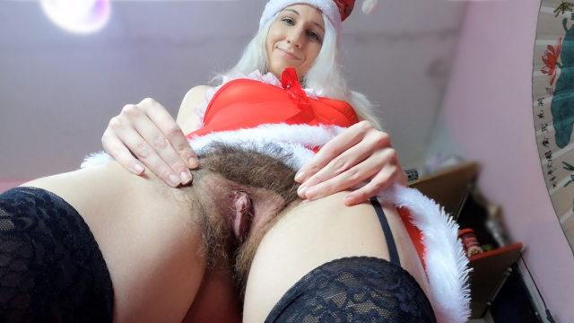 Santa girl face sitting with hairy bush #Christmas2019 video from cuteblonde666