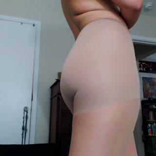 Pantyhose photo gallery by DarlingRosette