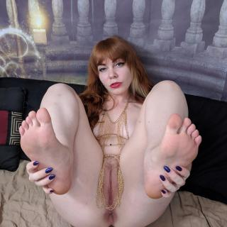 Goddess Foot Fetish photo gallery by Delphoxi