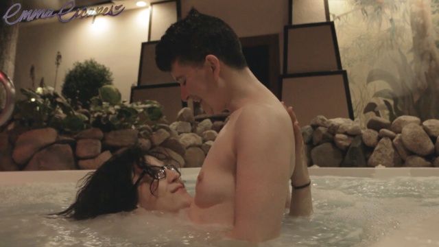 Date Night Diary #1: The Hot Tubs video by Emmaescapes