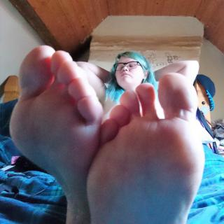 Massage My Feet? photo gallery by Hazel