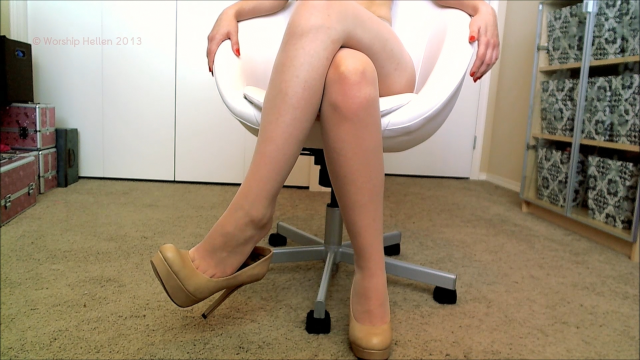 Amateur Porn Video : Nude Nylons And Heels