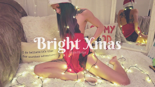 Bright Xmas video from HeylelReign