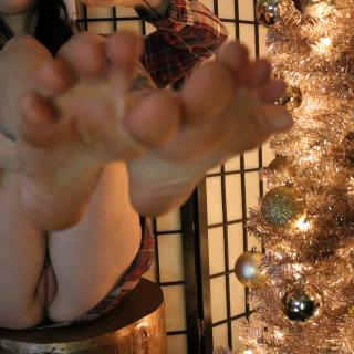 A Dirty Feetz Xmas photo gallery by Jasper