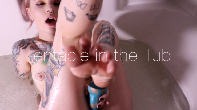 Tentacle in the Tub video from Jasper