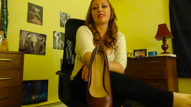 Caught You Sniffing My Shoes video from Josie6Girl