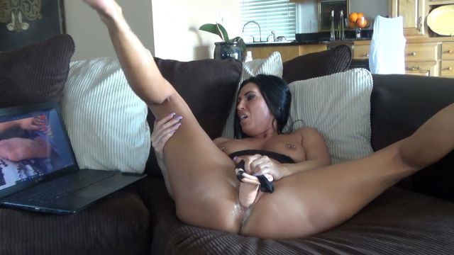 Watching Porn All By Myself video from Katie71