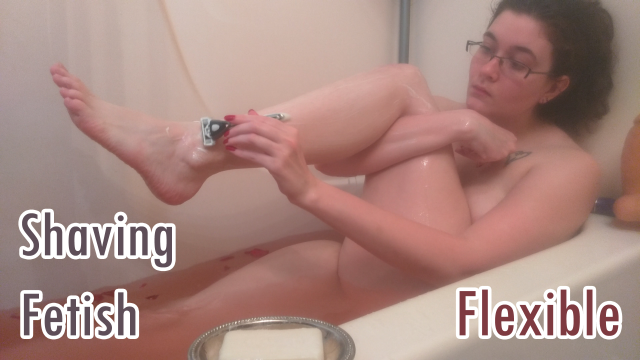 Spying on me in the Bath- Flexible BBW video by LadyDeathclaw