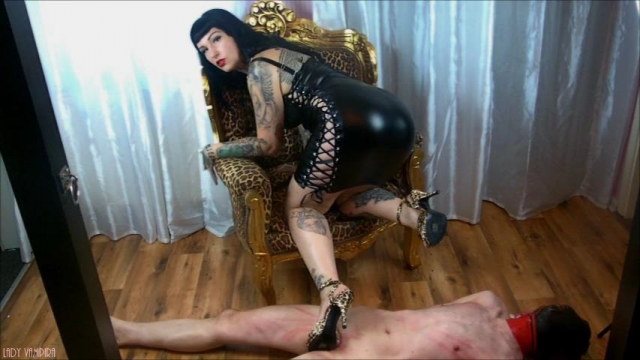 Wildcat Mistress – Punished by a sexy Pin Up video by Ladyvampira