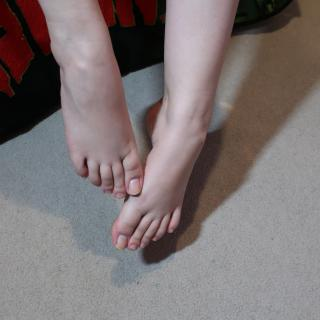 Pretty Feet photo gallery by LucilleLou