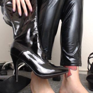 Shiny Boots photo gallery by Alace Amory