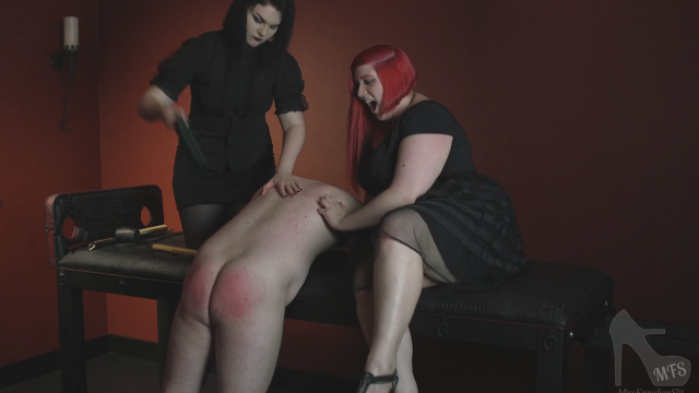 Amateur Porn Video : Spanking Punishment in the Dungeon