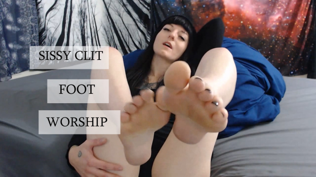 Sissy Clit Foot Worship video from Miss Ivy Ophelia