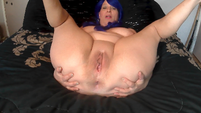 Mommy's Shithole video from NaughtyNikki777
