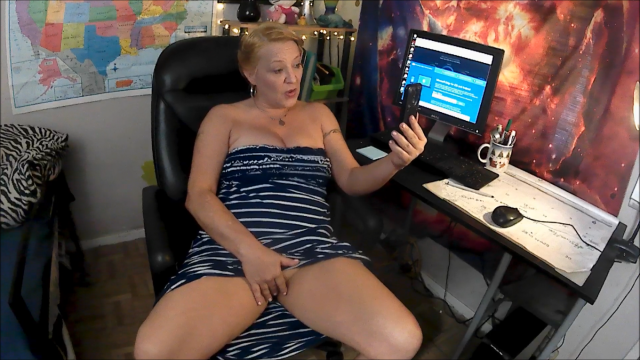 Teacher Gives A+ For Dick Pics video from NaughtyNikki777