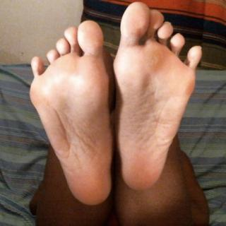 My Big Feet photo gallery by CutieQuinny