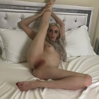 Flexible Slut photo gallery by Remi Reagan