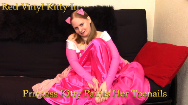 Princess Kitty Paints Her Toenails video by Red Vinyl Kitty